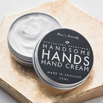 normal_handsome-hands-hand-cream.jpg